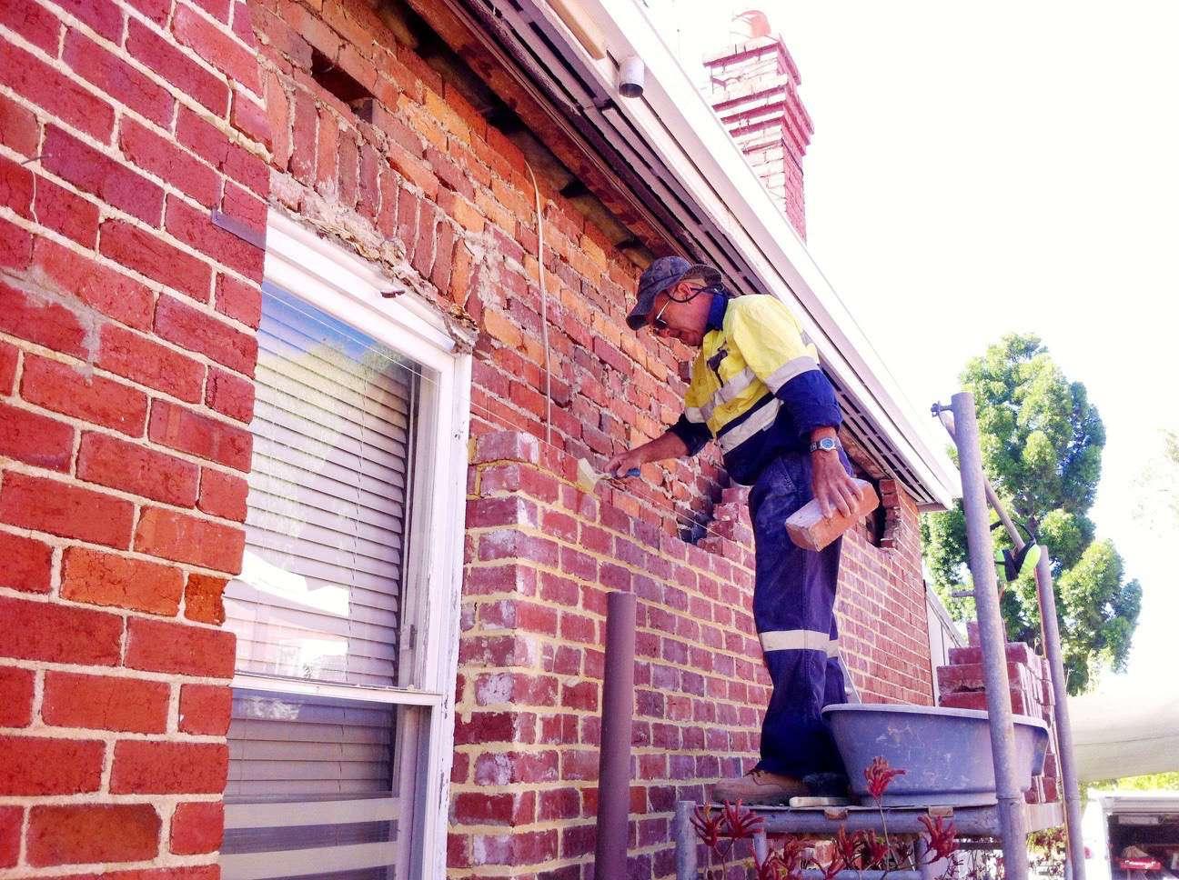 100 Old Damaged Exterior Brick Wall Stonelux Stone Coating Fireplace Stone Coating